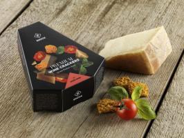 Grana Padano sajtos-szárított paradicsomos-bazsalikomos snack